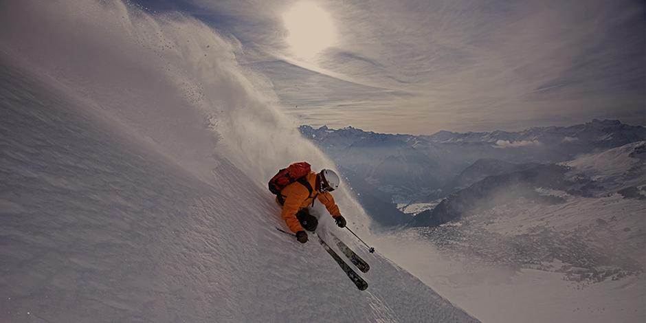 winter_offpiste_skiing1_1126x700