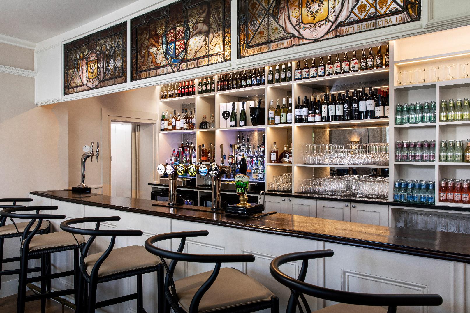 Kings arms london restaurant hampton court